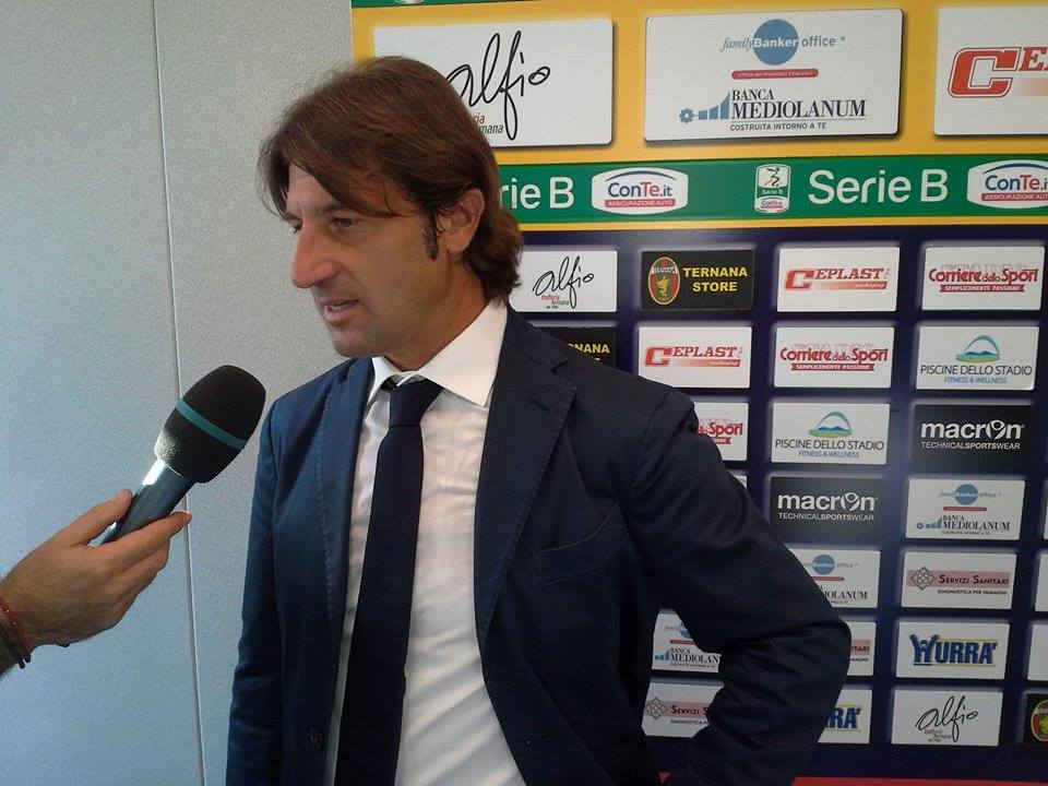 mister Massimo Rastelli in conferenza