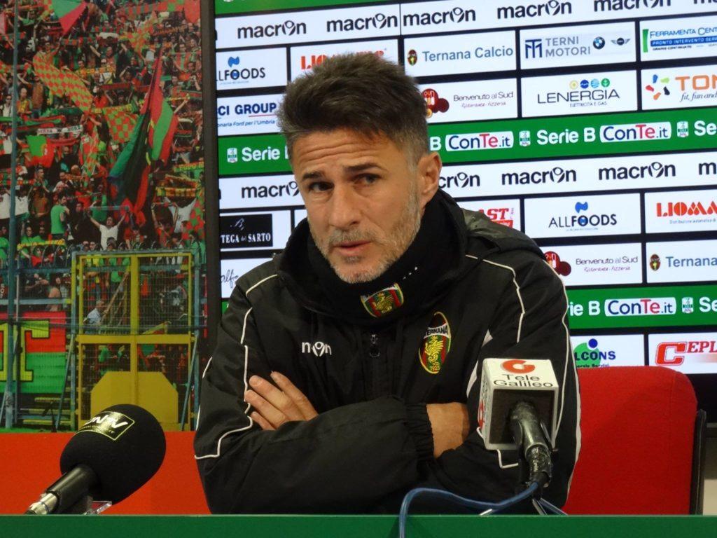 Ternana, ufficiale l'ex Benito Carbone vice allenatore a Crotone