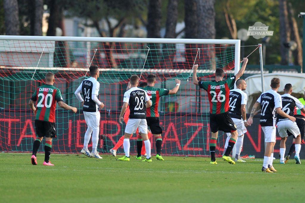 Ascoli-Ternana, bianconeri e rossoverdi cooperative del gol
