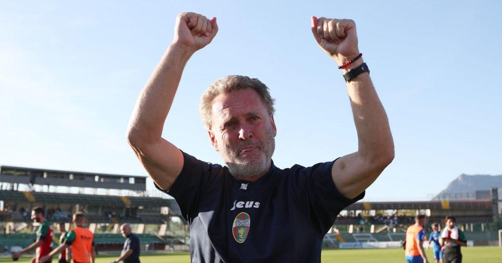Ternana, Serie B Ignorante 'Pochesci persona vera e genuina'