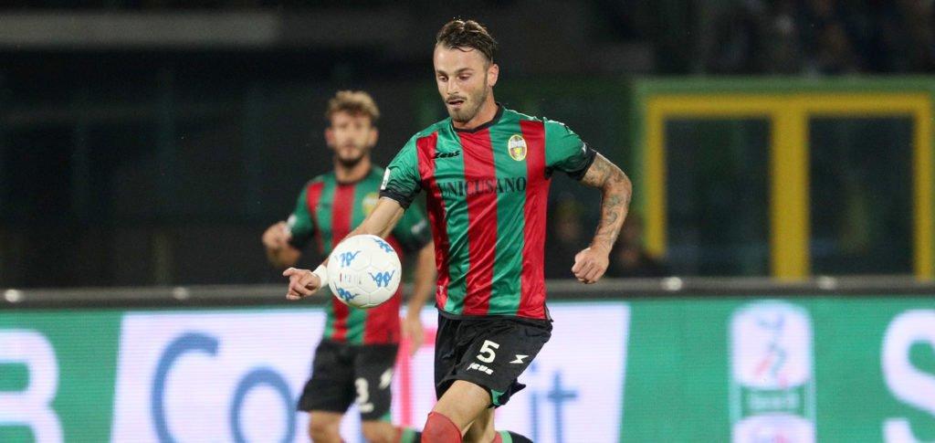 Calciomercato Lega Pro girone C Catanzaro, in uscita le ex Fere Signorini e Favalli
