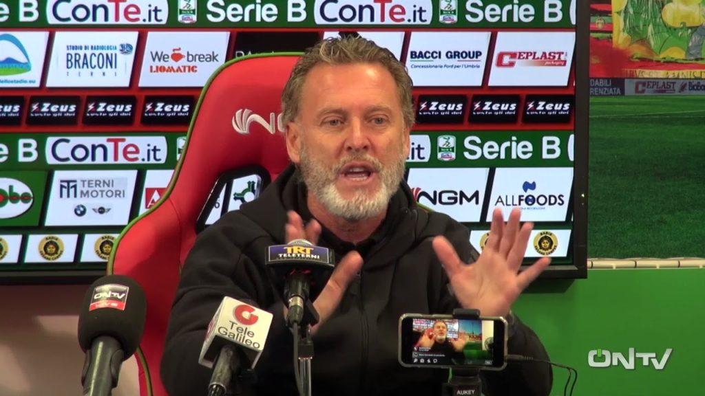 Ternana, tifosi del Fondi 'indignati' con Sandro Pochesci