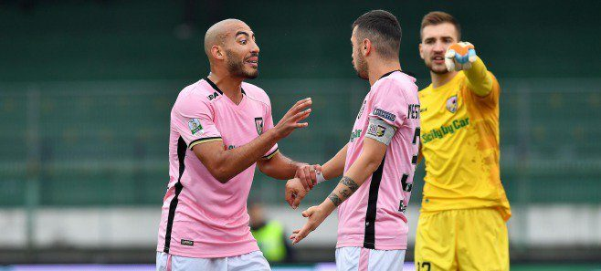 Palermo-Ternana, infortunio per Josip Posavec