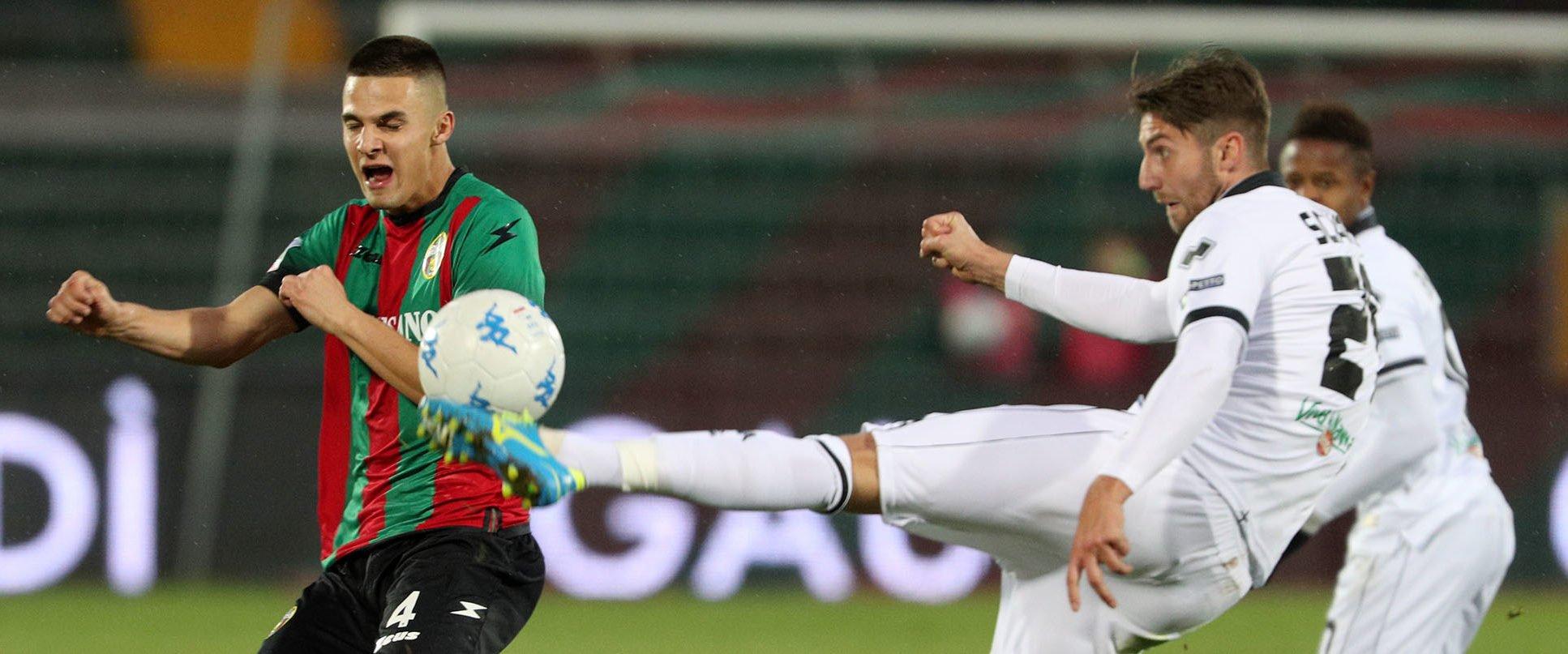 Avellino-Ternana, i rossoverdi sperano di recuperare Martin Valjent