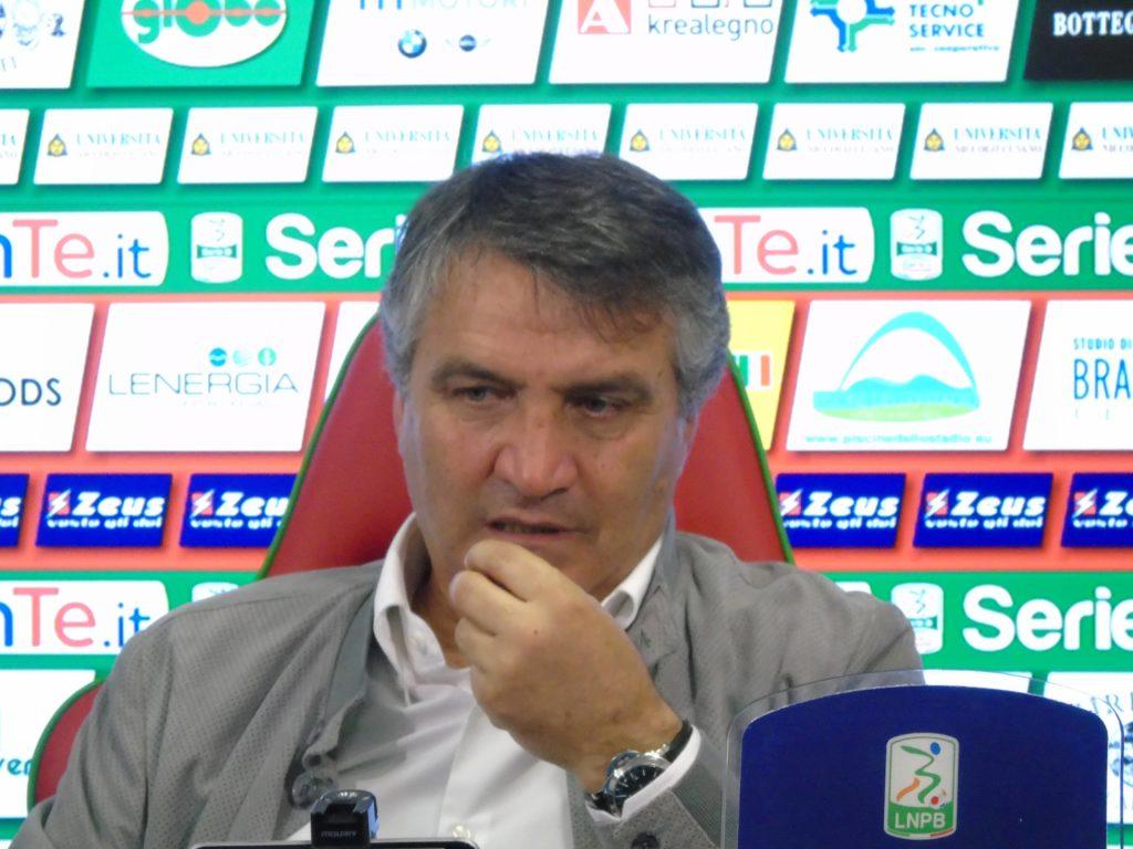 Ternana-Avellino, Luigi De Canio 'Ecco cosa ci siamo detti con la proprietà'