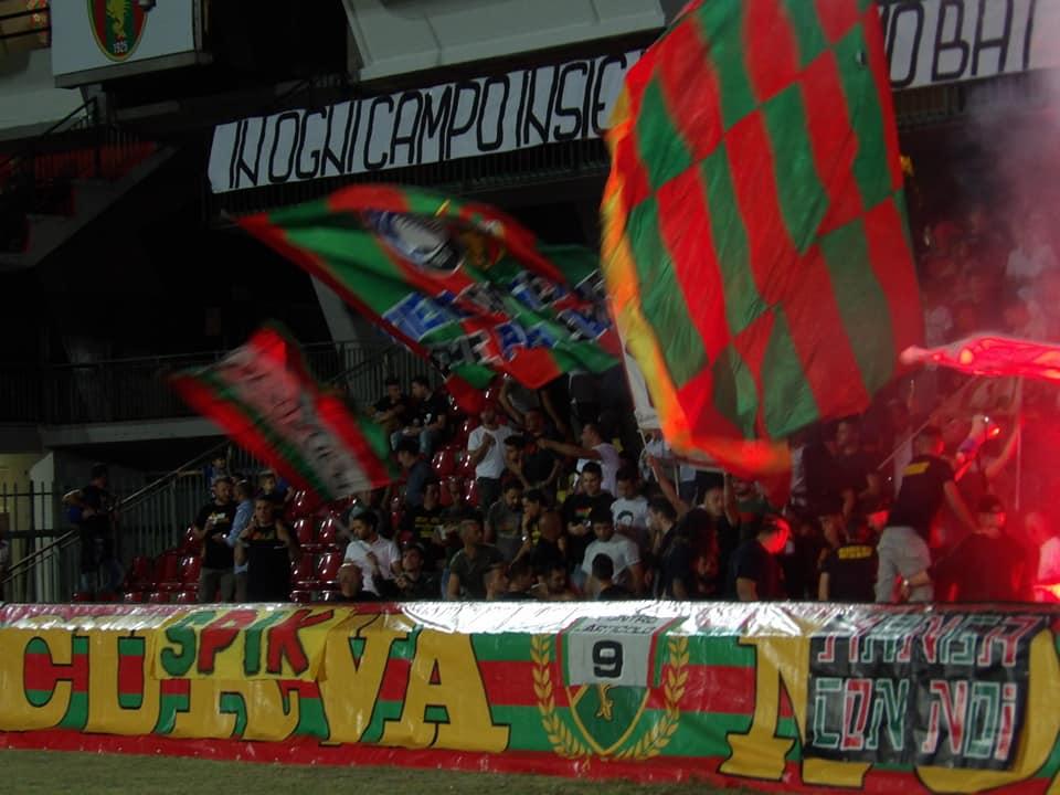 Ternana, dato abbonamenti dei tifosi rossoverdi
