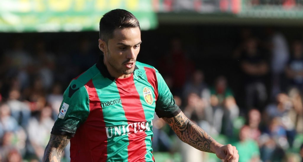 Il centrocampista Salzano andato in goal nell'andata contro il Rende