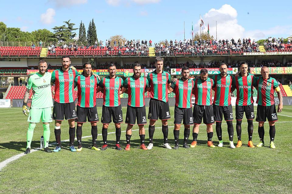 Ternana, solo tre giocatori attendono l'esordio in rossoverde