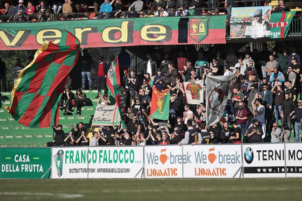 Ternana, ritiro abbonamenti: chiarimenti per i tifosi rossoverdi