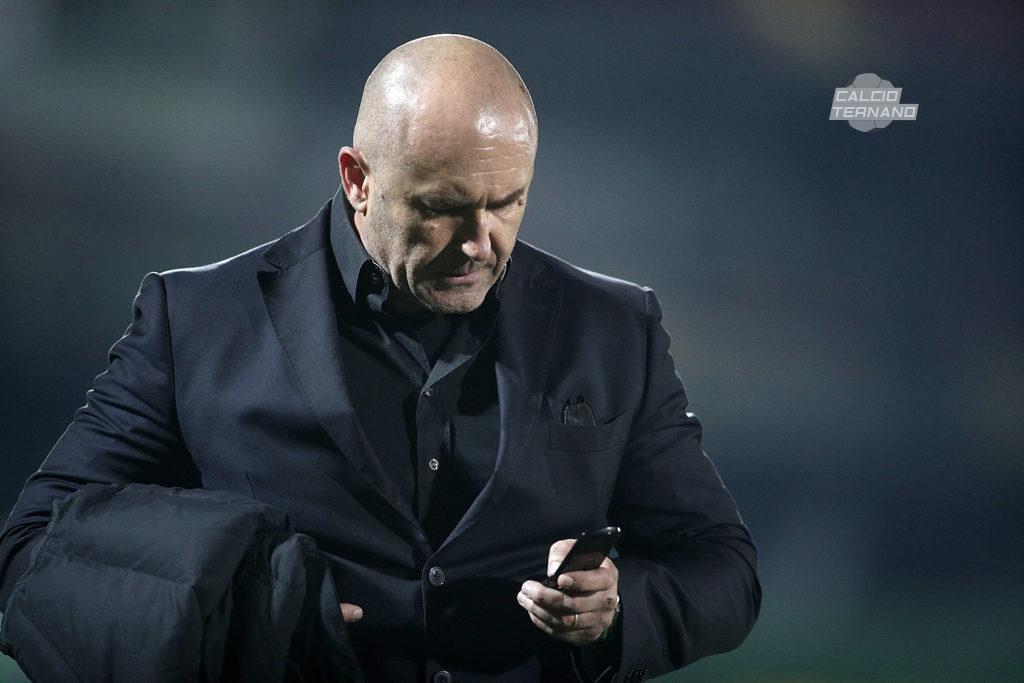 http://www.ternitoday.it/sport/ternana-stefano-bandecchi-la-societa-di-via-della-bardesca-e-in-vendita.html
