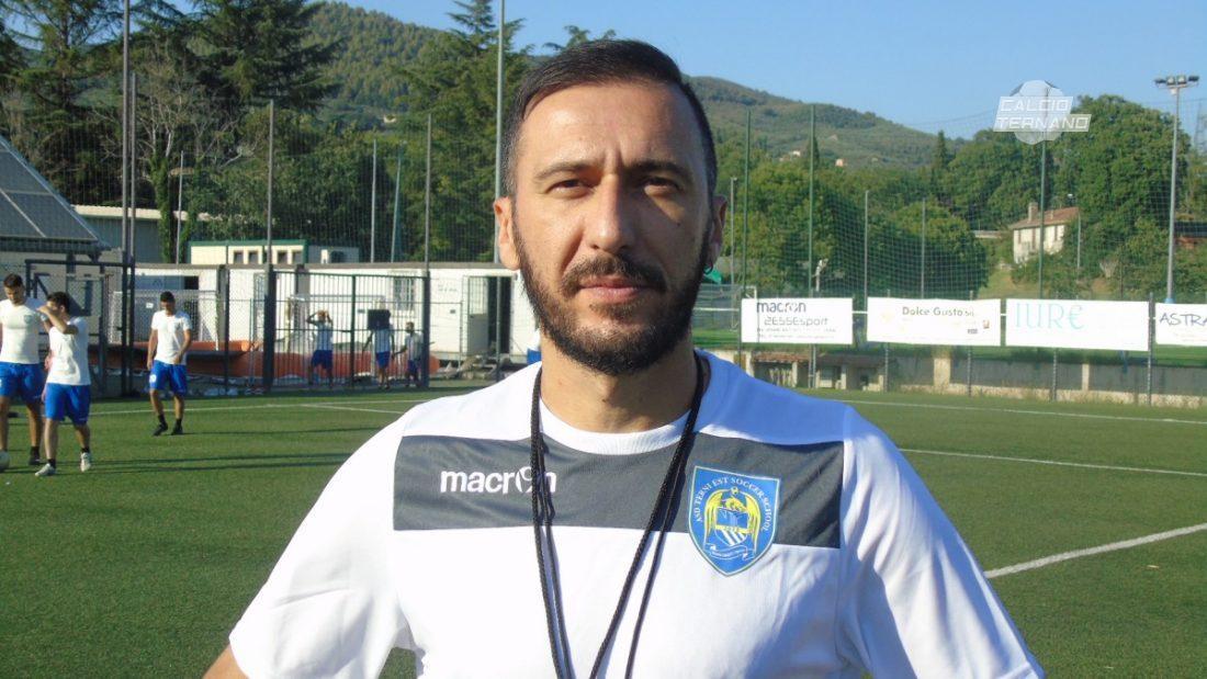 L'allenatore di terni Est Soccer School Fabrizio Frabotta