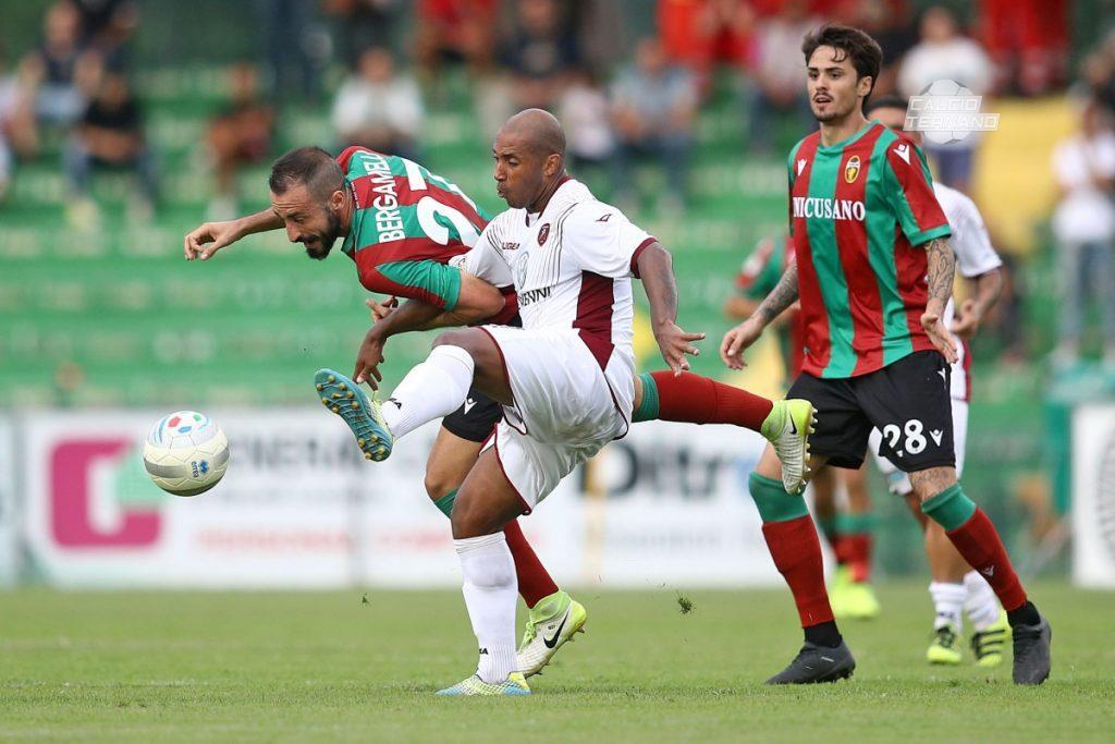 Lega Pro girone C, il derby Reggina-Catanzaro apre una giornata pirotecnica