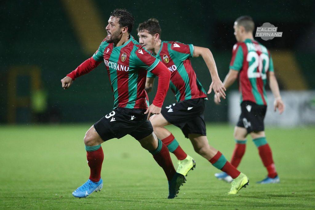 Esultanza al gol di Ferrante contro la Viterbese