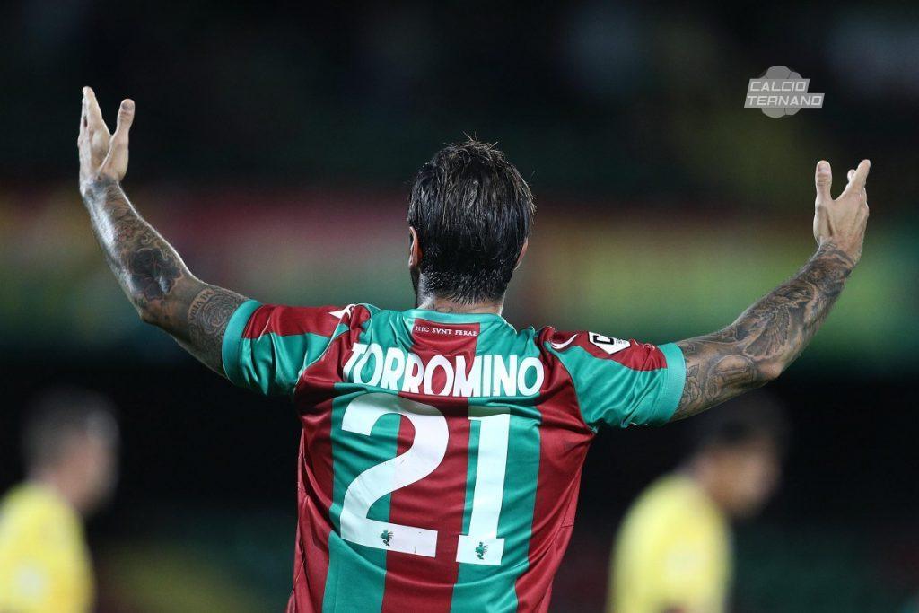Torromino esulta dopo il goal
