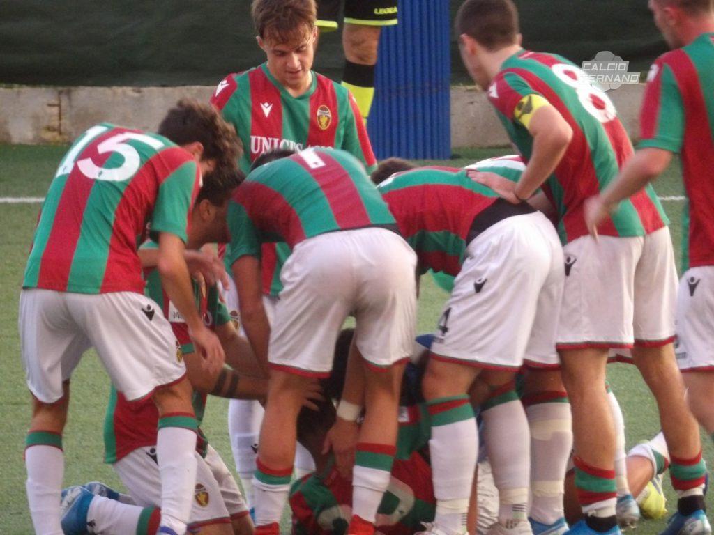 L'esultanza dei calciatori della Ternana Berretti
