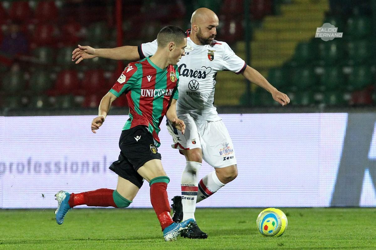 Il rossoverde Fabrizio Paghera in azione