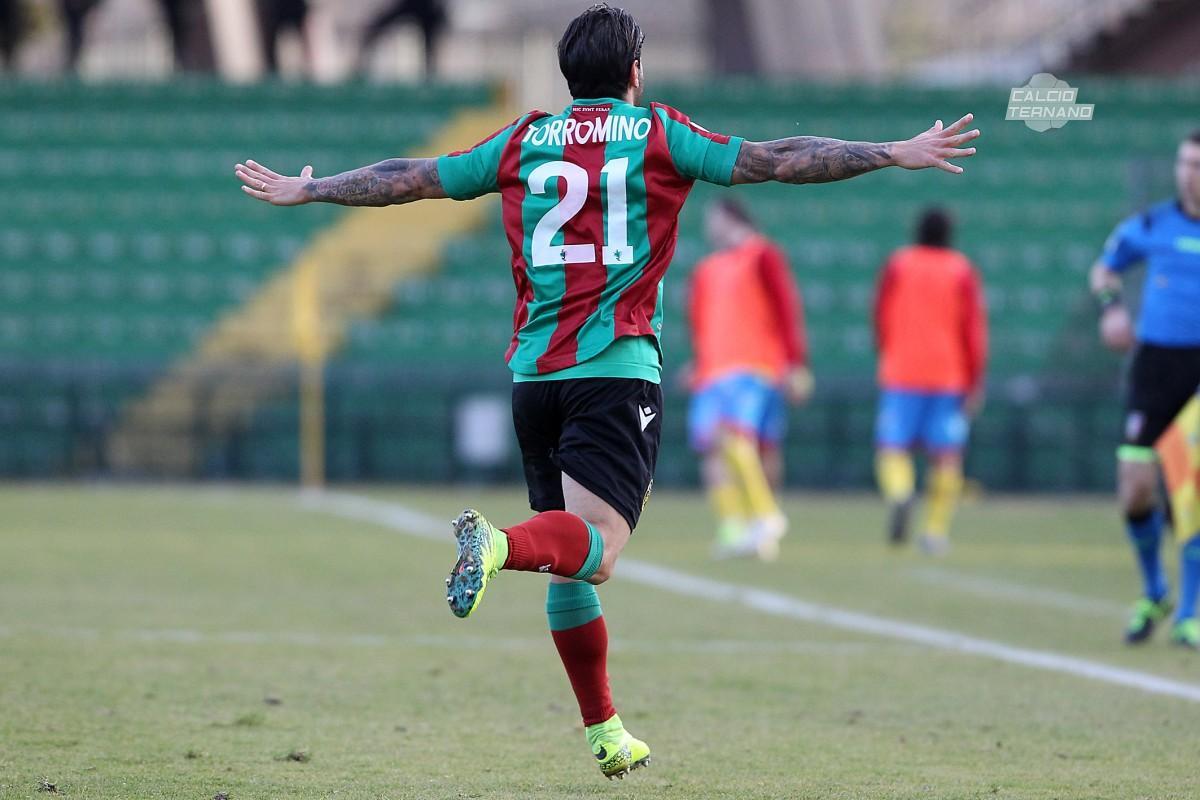 Torromino esulta dopo il gol contro il Catania