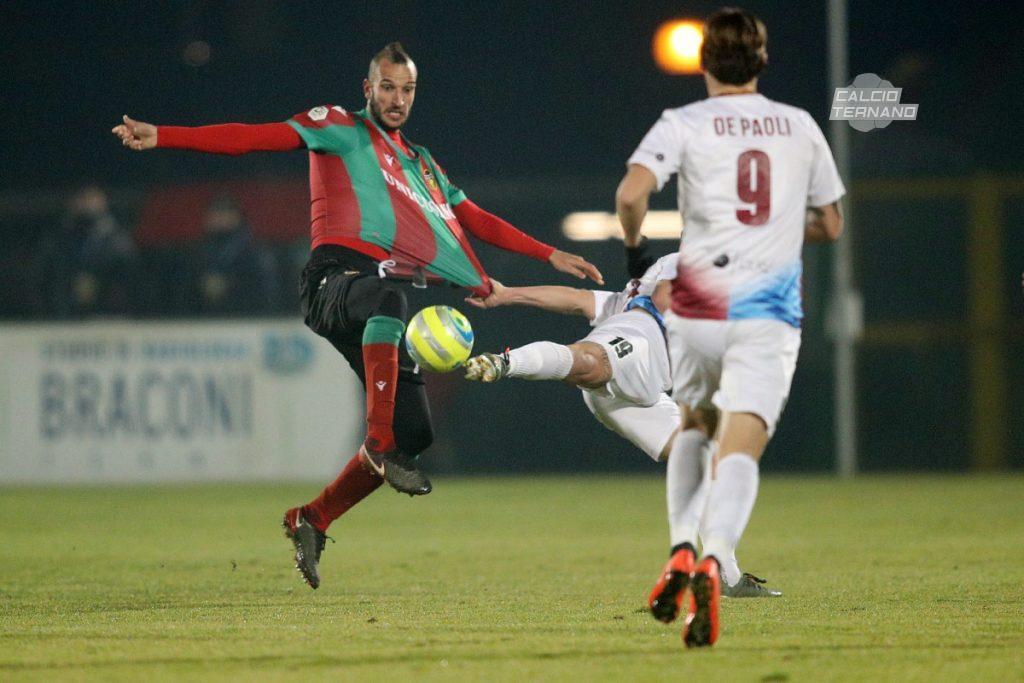 Il difensore Suager contro il Rieti