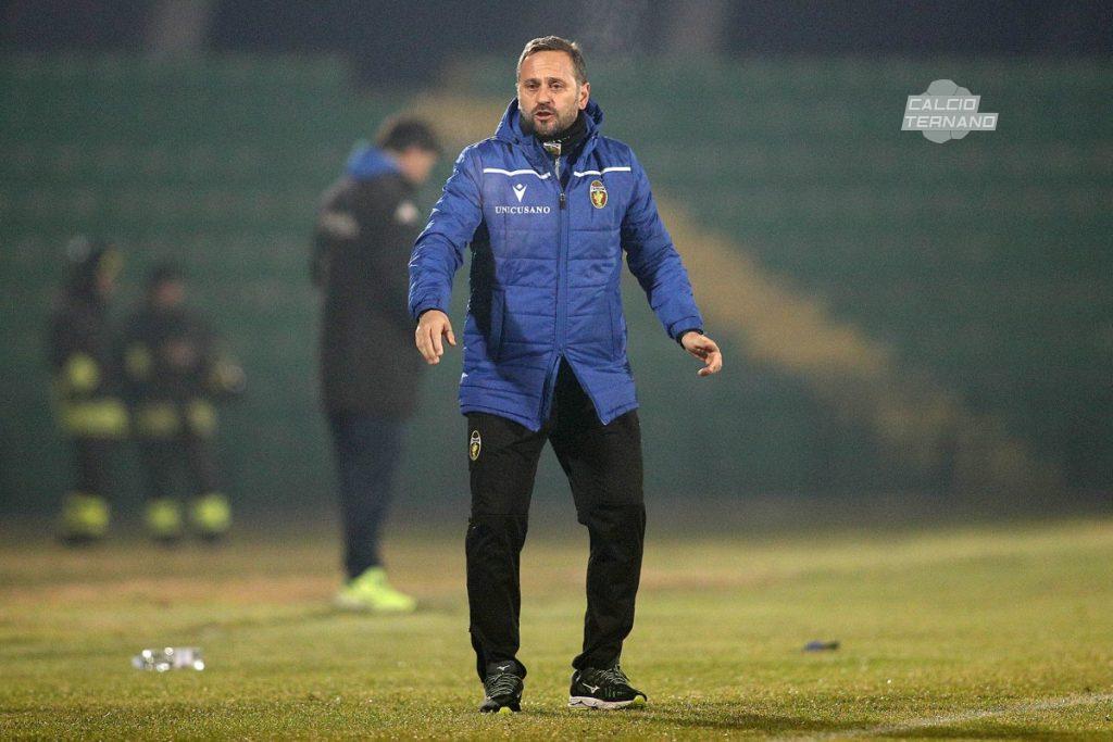 il tecnico della Ternana Fabio Gallo