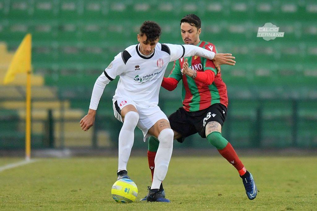 Aniello Salzano della Ternana in azione
