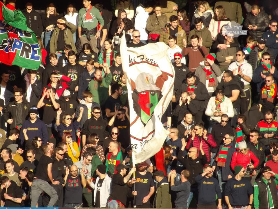 I tifosi della Ternana in curva nord