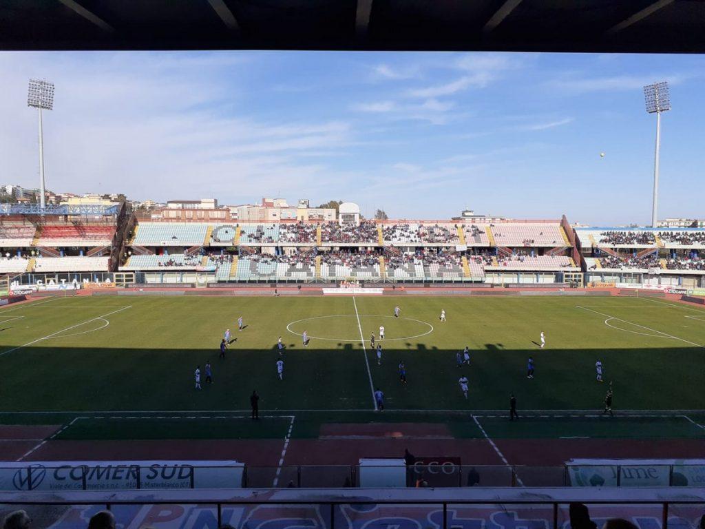 """Le squadre di Catania e Ternana al """"Massimino"""""""