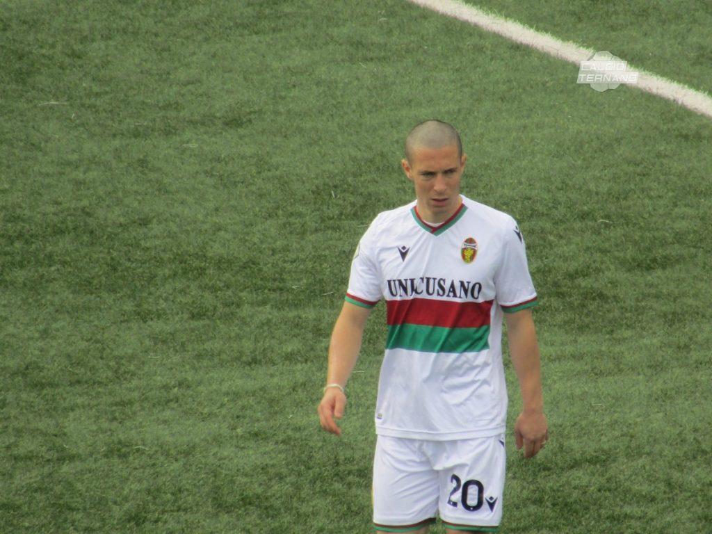 Il centrocampista Fabrizio Paghera