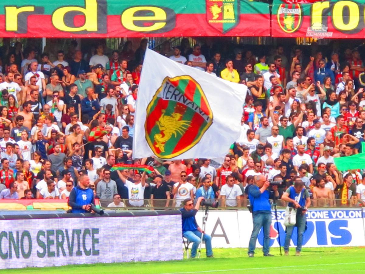 i tifosi della curva Nord per Ternana-Perugia