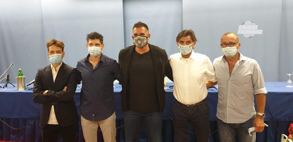 Cristiano Lucarelli con il suo staff